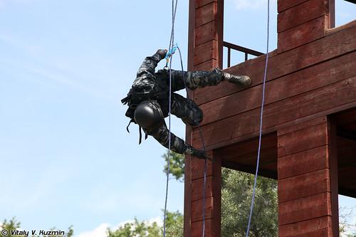 http://77rus.smugmug.com/Military/SP-triathlon-2012/i-QKxBxrF/0/500x333/2012SPtriatlon18-500x333.jpg