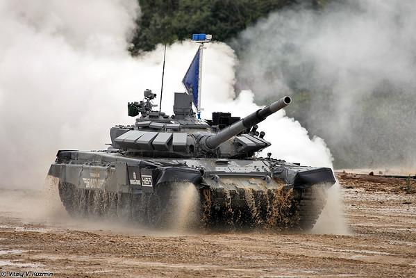 Танк Т-72Б3М/Б4 российской команды (T-72B3M/B4 tank)