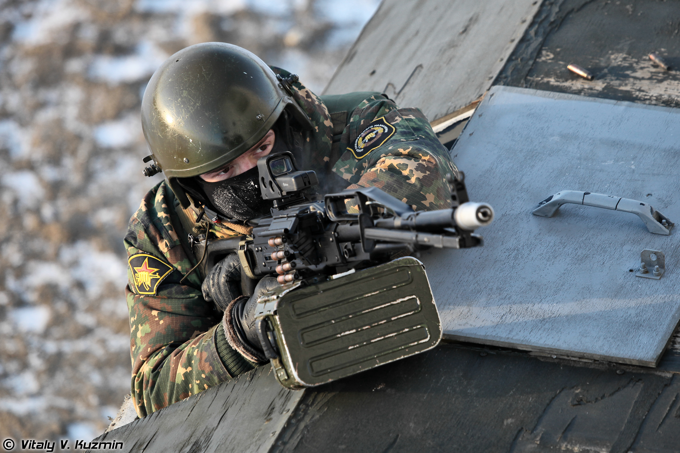 http://77rus.smugmug.com/Military/Ural-Federal-and-604th-TsSN/i-qZgb6r9/0/O/FederalandTsSNVityaz15.jpg