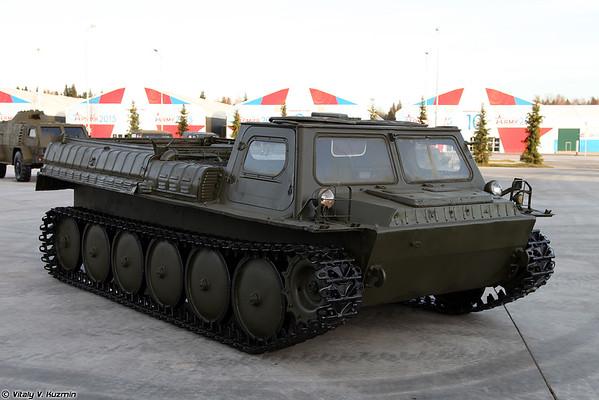 Transporter GT-SM GAZ-3403 [GT-SM GAZ-3403 unidade de transportador-tractor)