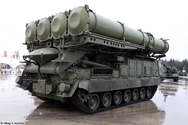 9A83 anti-aeronaves sistema de mísseis S-300V [9A83 TELAR para o sistema S-300V)