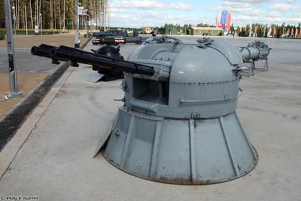 gun mount AK-230 [30 mm AK-230 sistema de armas naval)