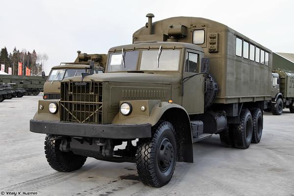 KrAZ-257 corpo com o K-257 [KrAZ-257 com K 257 compartimentos multifuncional)