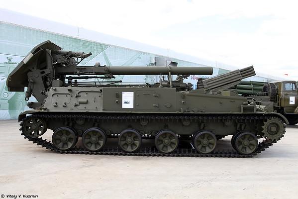 240-mm transportadora argamassa 2S4 Tulip [240 milímetros automotora argamassa 2S4 Tyulpan)