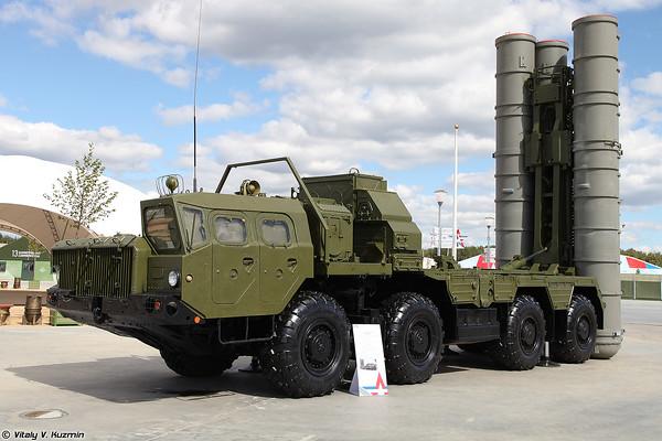 Lançador 5P85SE2 ZRC S-300PM2 [5P85SE2 TEL para sistema de mísseis S-300PM2)