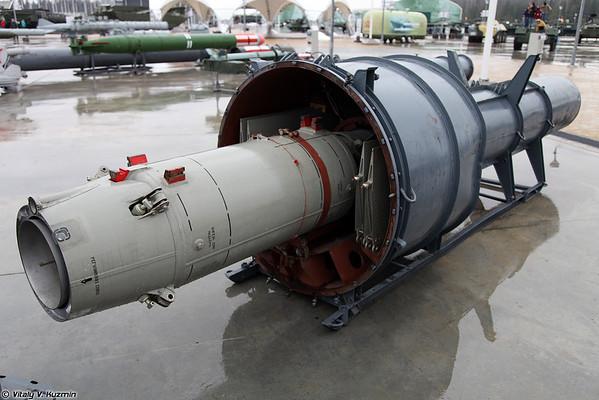 Anti-aviões míssil guiado 4K90 [4K90 míssil superfície-ar)