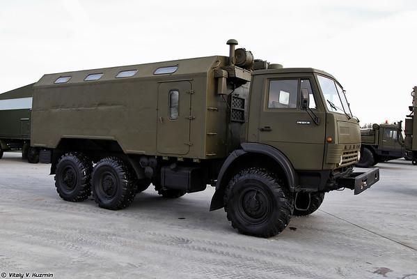 KAMAZ-43101 com o corpo KM-4310 [KAMAZ-43101 com o compartimento KM-4310)
