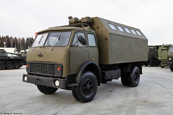 MAZ-5334 com um corpo de KM-500 [MAZ-5334 com compartimento de KM-500)