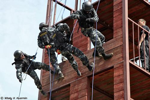 http://77rus.smugmug.com/Military/SP-triathlon-2012/i-S3vJ8DF/0/500x333/2012SPtriatlon17-500x333.jpg