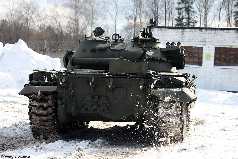 Russian Military Photos and Videos #3 - Page 38 T-62M-Kubinka-03-L