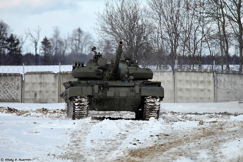 Russian Military Photos and Videos #3 - Page 38 T-62M-Kubinka-01-L