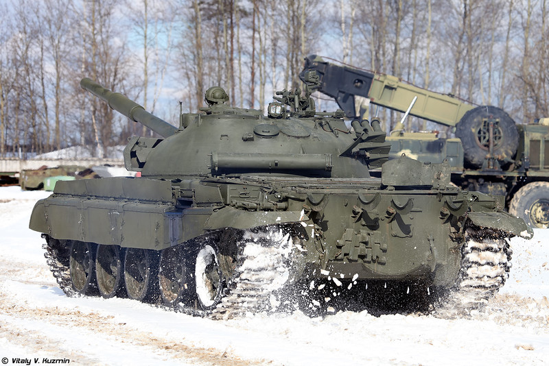 Russian Military Photos and Videos #3 - Page 38 T-62M-Kubinka-07-L