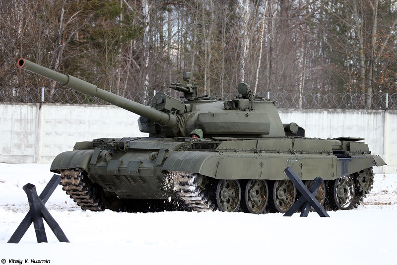Russian Military Photos and Videos #3 - Page 38 T-62M-Kubinka-04-L