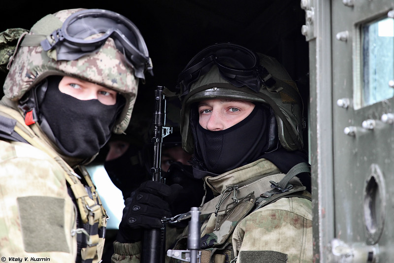 Russian Military Photos and Videos #3 - Page 40 VV-Day2016-36-L