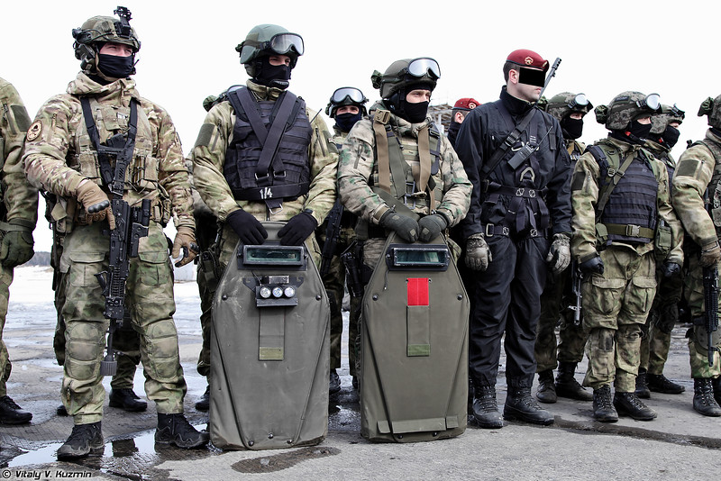Russian Military Photos and Videos #3 - Page 40 VV-Day2016-35-L