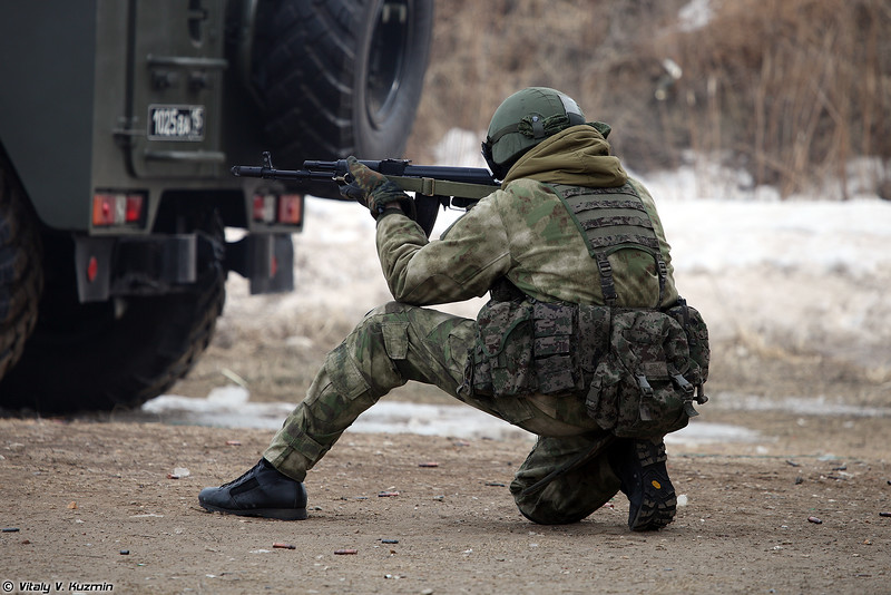 Russian Military Photos and Videos #3 - Page 40 VV-Day2016-29-L